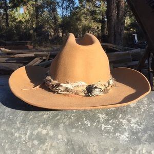 VTG Sheplers Cowboy Hat, Feather Band & Bronco Pin